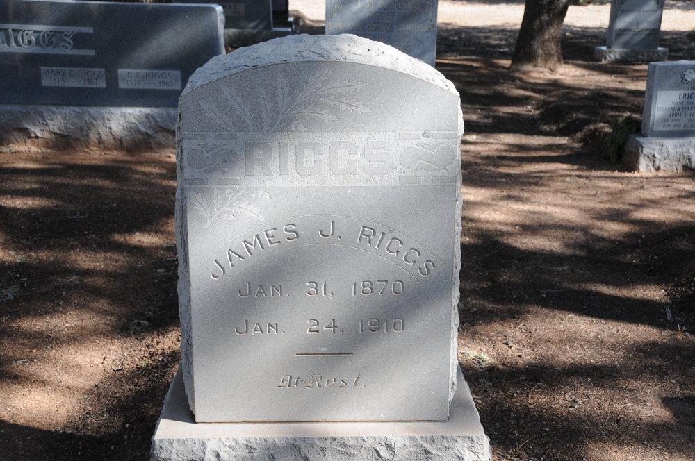 1e JAMES J. RIGGS