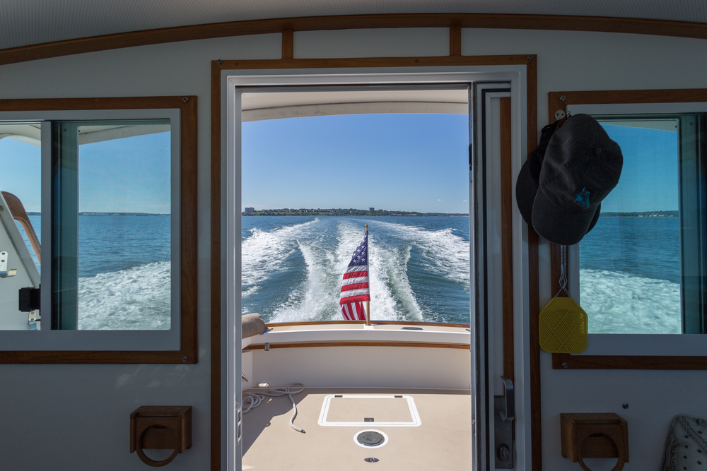 yacht_lobster_view_lifestyle.jpg