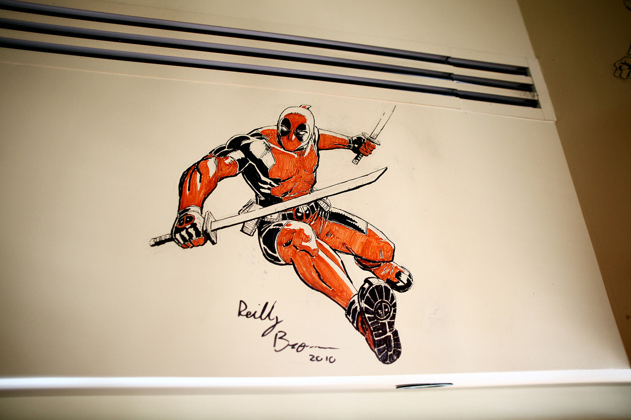 agentmlovestacos :     @Reilly_Brown's completed Deadpool drawing on the wall of @PalmRestaurant. An excellent addition to our Comic-Con tradition! More awesomeness at  marvel.com/sdcc10 .
