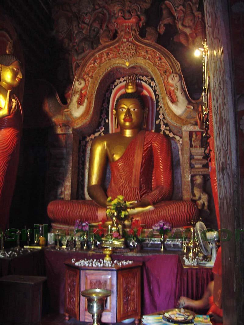 Lankathilaka temple.jpg
