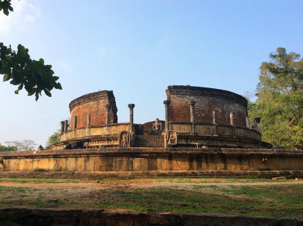 Vatadage-Polonnaruwa.jpg