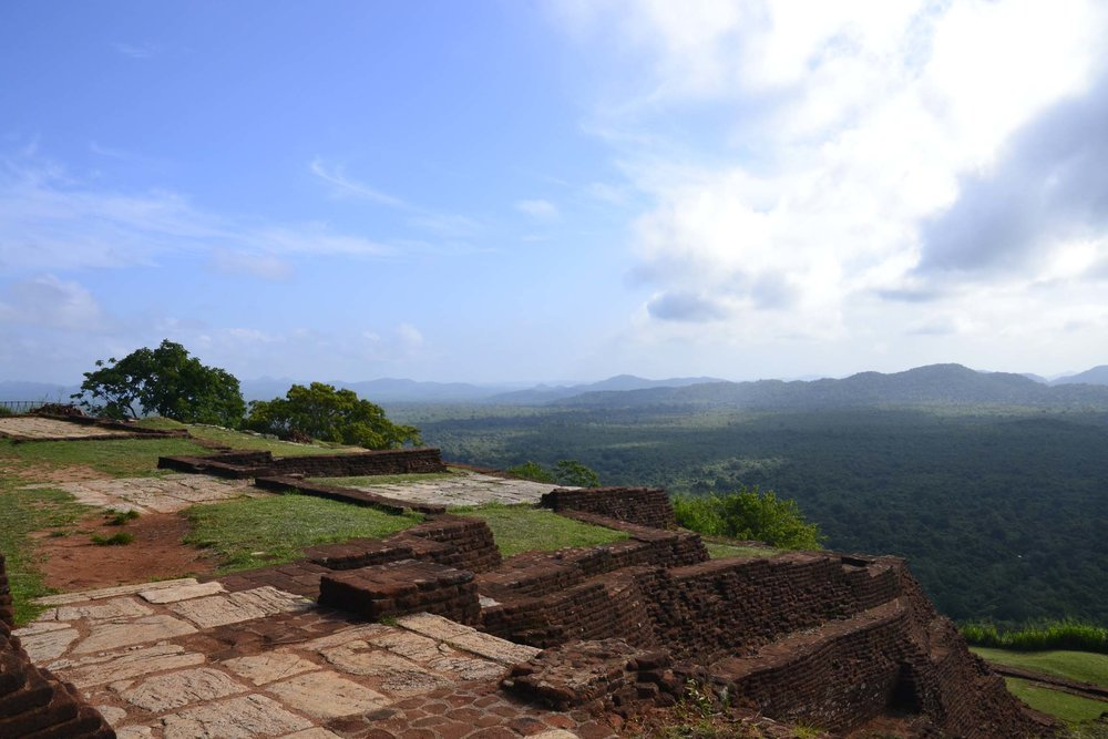 sigiriya-ruins.jpg