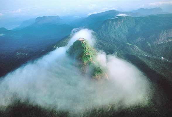 adams-peak-sunrise.jpg