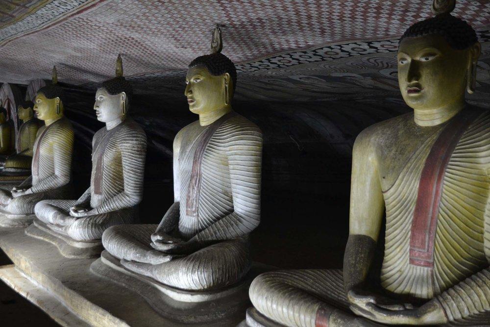 buddha-statue-dambulla-cave-temple.jpg