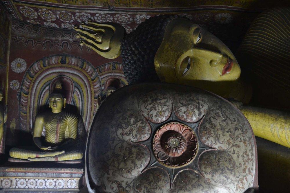 buddha-statue-temple.jpg