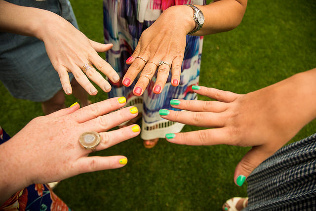 Women-Showing-their-Painted-Fingernails