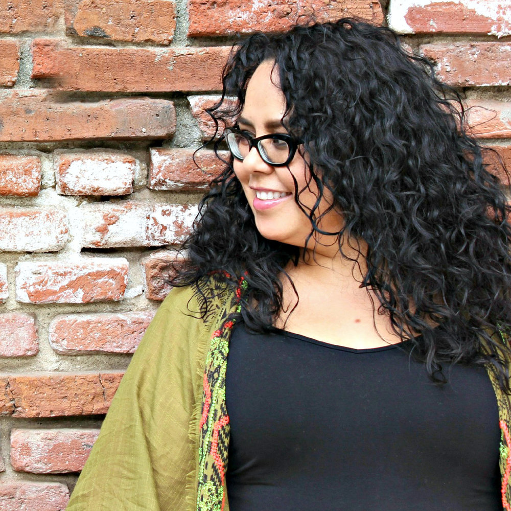 Denise Cortes Pearmama Denise Cortes is a 40-something Southern California-based writer and artist. Since 2006, she has been sharing her life as a mother raising six children, an artist creating beautiful diy spaces in her home and celebrating Mexican-American culture on her lifestyle blog, Pearmama.