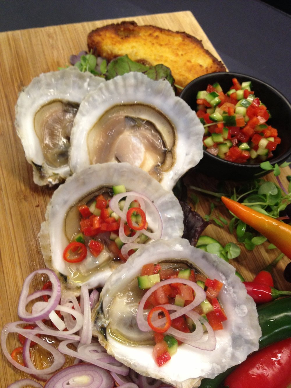 Angasi oysters as served.JPG