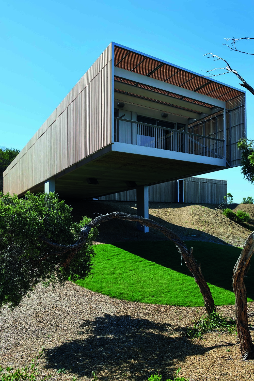 House on the Coast, by Sean Godsell Architects, has won the Robin Boyd Award for Houses (New) at the Australian Institute of Architects' Australian Architecture Awards. Photos courtesy the Australian Institute of Architects/Sean Godsell Architects/Young and Percival/Earl Carter
