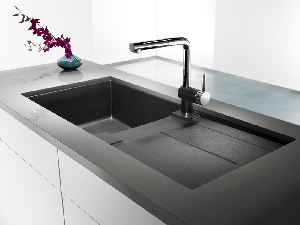 Metra_X_Anthracite_faucets_41.jpg