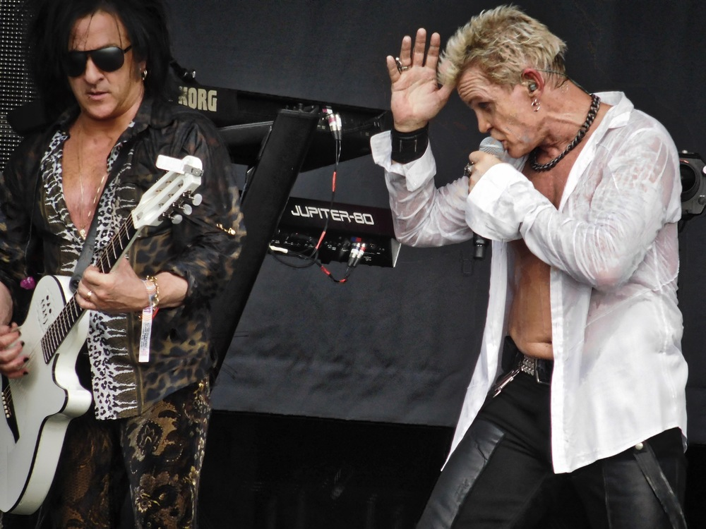 So the first act I caught on the main stage was Billy Idol at 4pm. All I can say is fun, fun, fun! Here with his long time collaborator and guitarist Steve Stevens.