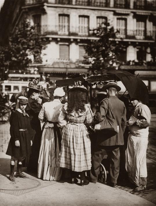 Eugène Atget,Street Scene, 1929