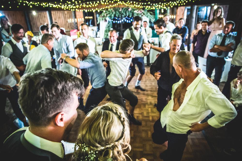 Cloe & Stephen - Dancing & Activities - Web Res (79 of 182).jpg