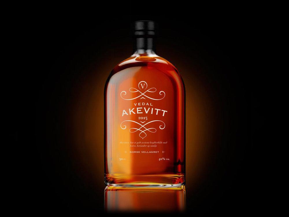 Akevitt_flaske_2.jpg