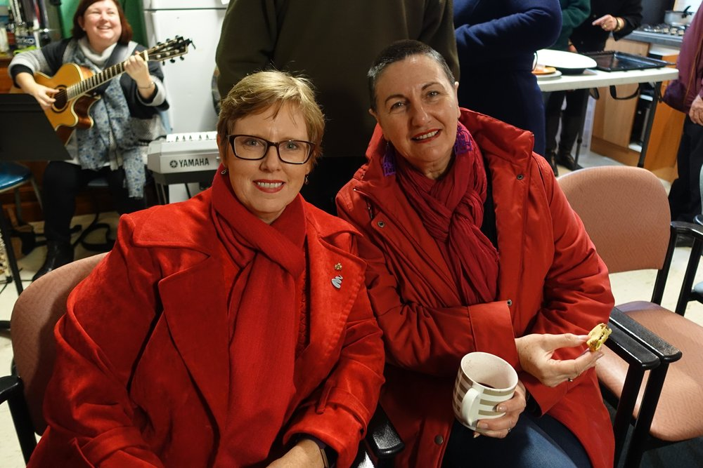 Ladies in red - Tracey Doublet and Lea Waszkinel
