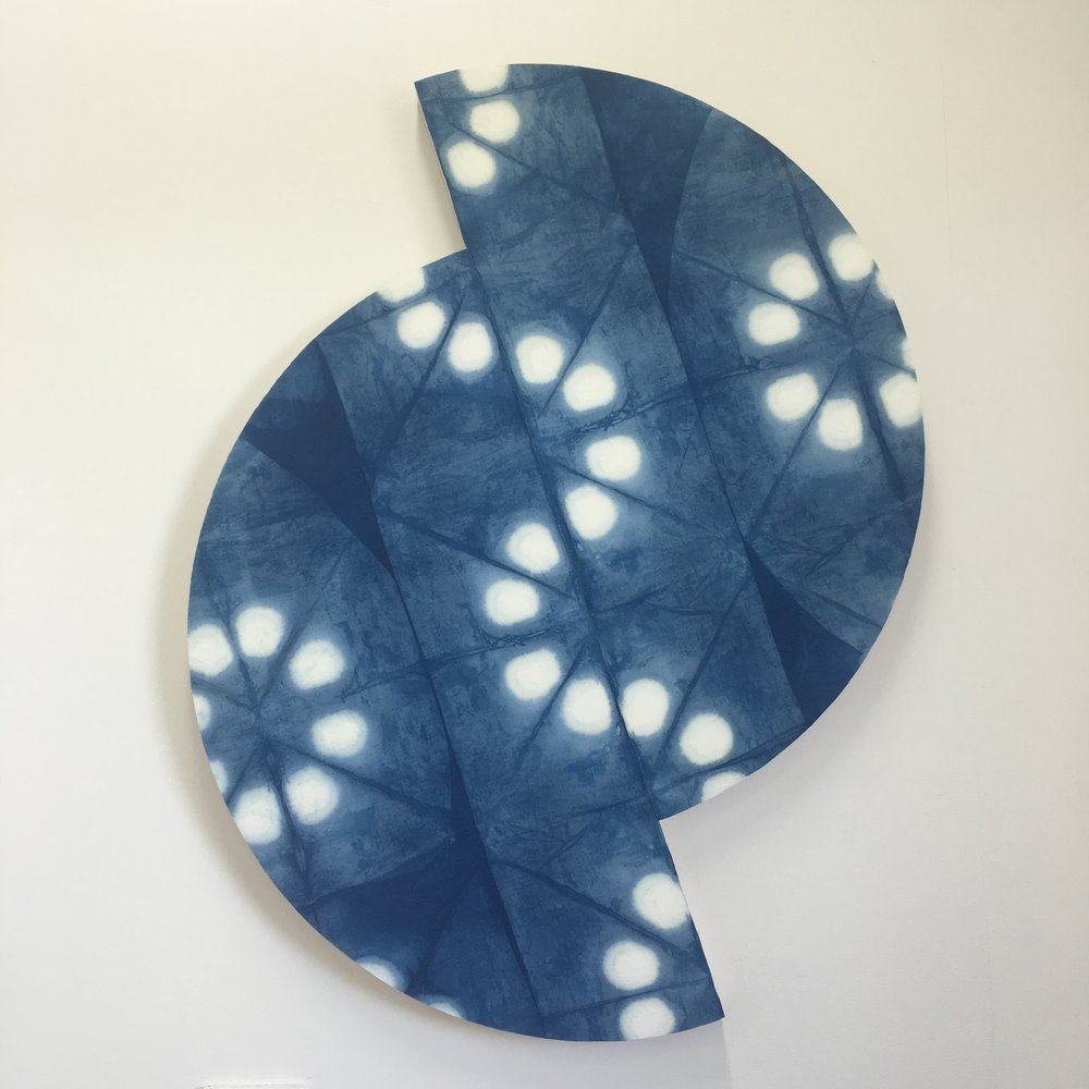 Indigo folding space split    Indigo dyed cotton/linen mounted on layered plywood, 2 pieces: 475 x 1150 x 40