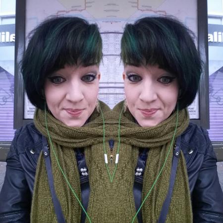 reeree christmas green hair