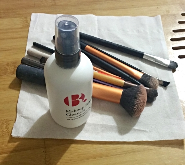 b make up brush cleaner review