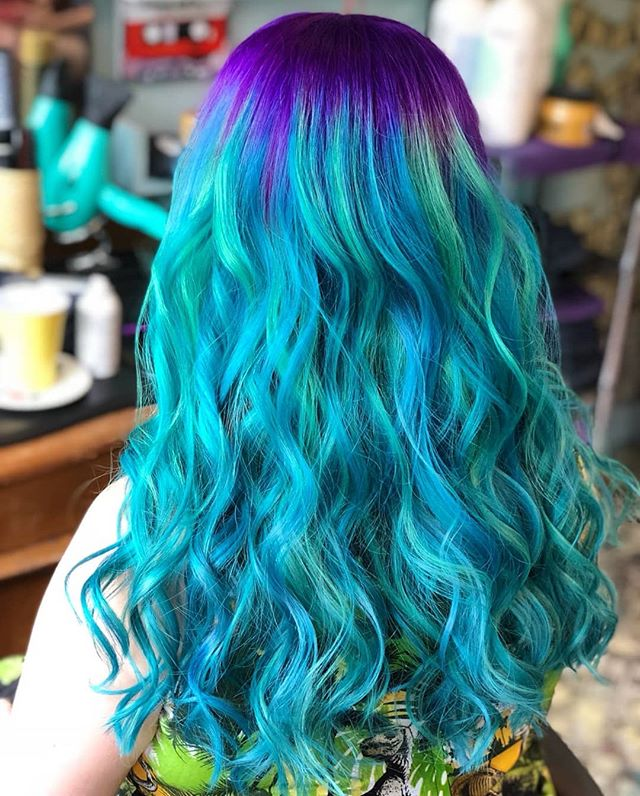 This jewelled loveliness is from @charley_todd_hair #rockalilycuts #incolourfulcompany #mermaidian #mermaidhair #jewelhair #shoreditch