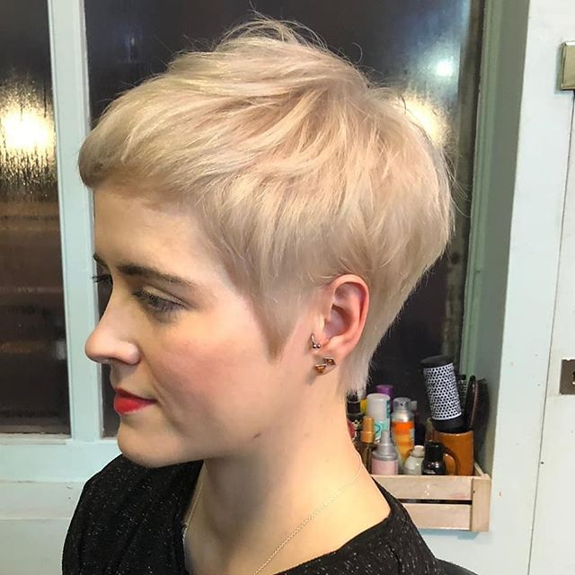 Cutie patootie cut and colour from @taylormarymua (swipe for the before!) #rockalilycuts #pixiecut #pixiehaircut #shoreditchlife #londonhair