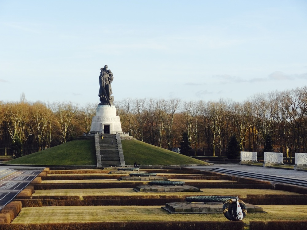 When the Wall fell, it was negotiated that the city of Berlin would maintain this soviet memorial located in the suburb of Treptow. It is dedicated to the fallen Russian soldiers who fought with the Allies to defeat Nazism.