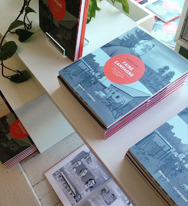 Faire campagne, notre premier bédéreportage en collaboration avec La Pastèque, est maintenant dans toutes les librairies.