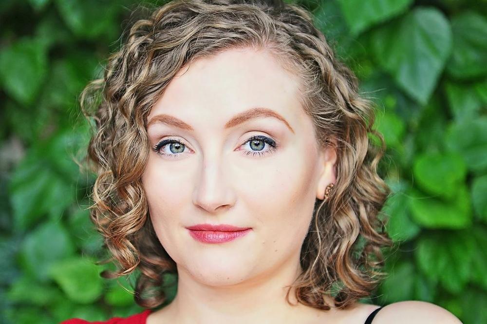 Thea Lobo, mezzo-soprano