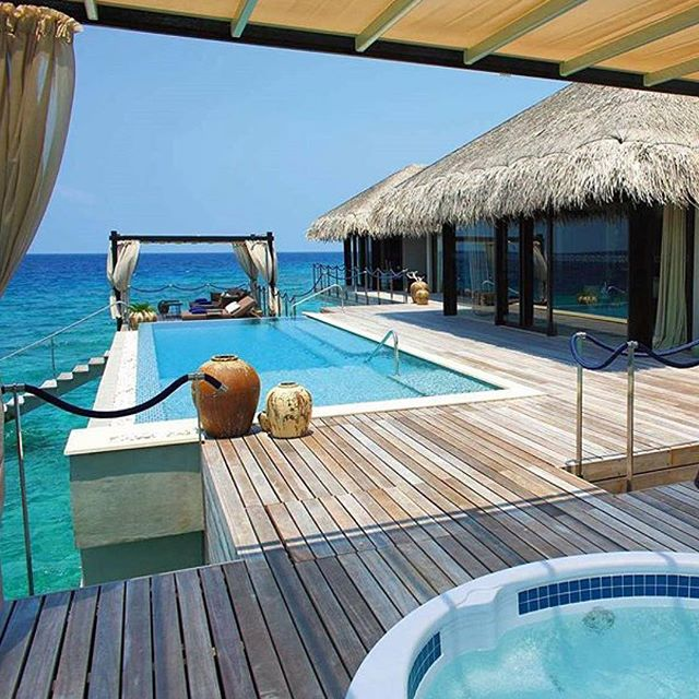 Anyone else dying to see the Maldives...?! Check out @hotelsandresorts to read the story of a couple that fell in love in the Maldives and decided to build a resort of their own. #velaaprivateisland #maldives #hotelsandresorts #travellife #lifewelltraveled #neverstopexploring