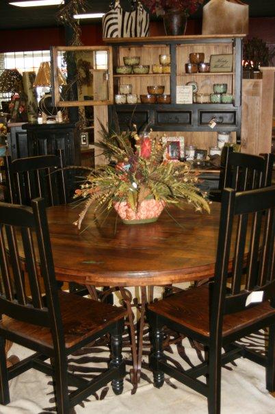 Round Table w Turq Inlay.jpg