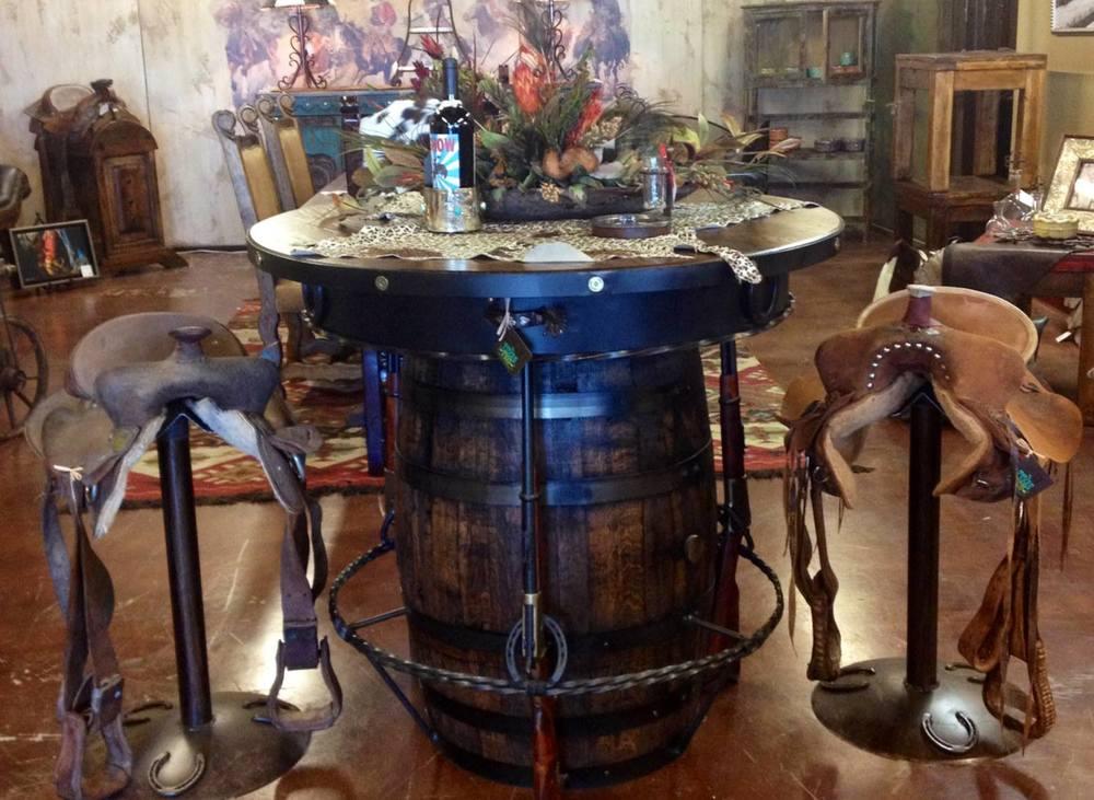 outlaw pub table.jpg