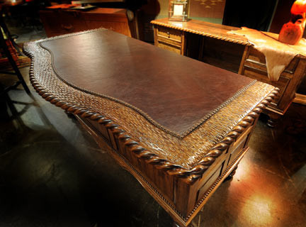 Sancho_Desk_Leather_top_1024x1024.jpg