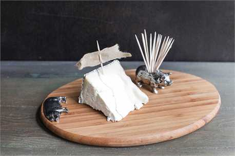 Bamboo Cutting Board w Pig Toothpick Holder.jpg