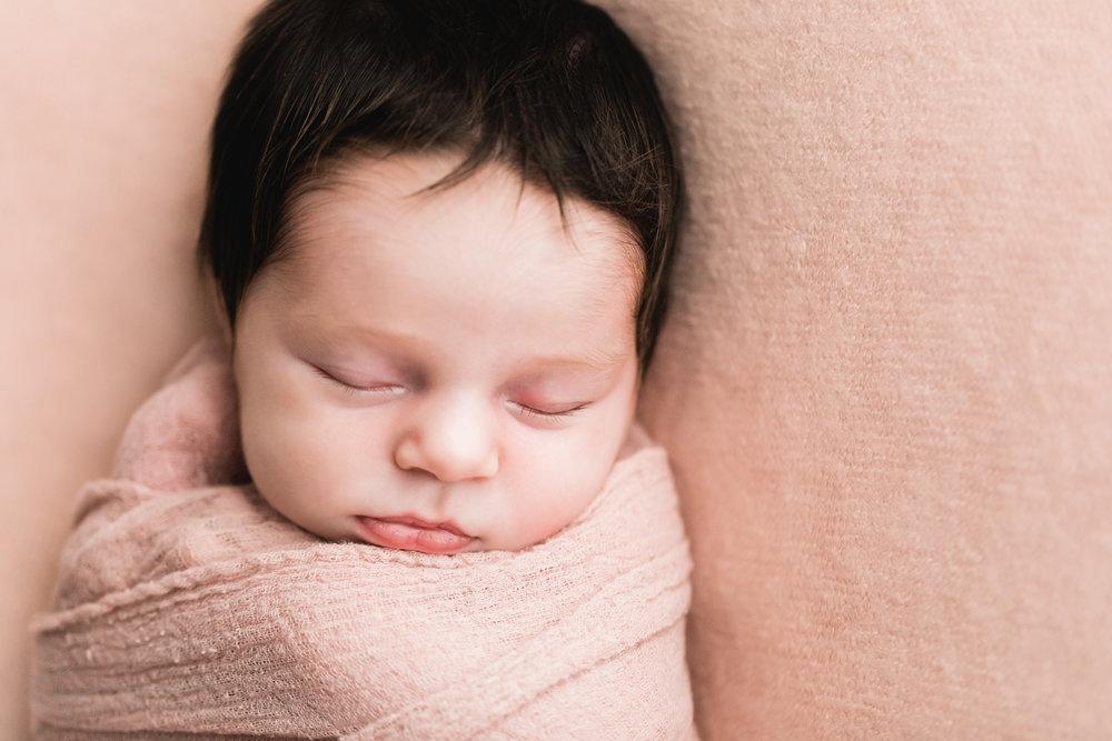 newborn-baby-girl-photos