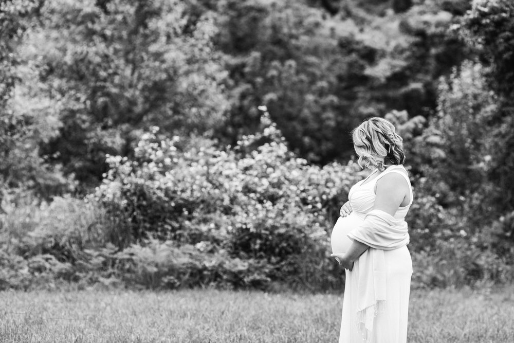 Springfield VA Newborn and Maternity Photographer | Kate Juliet Photography