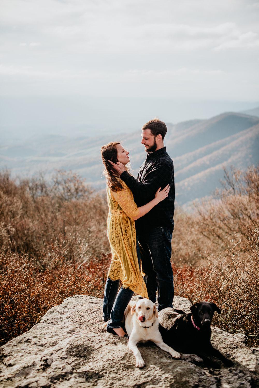 FALL MOUNTAINTOP COUPLES PORTRAITS