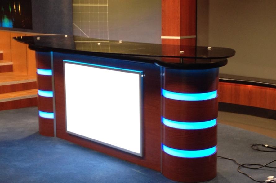 desk2-890x593.jpg