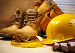 EPIs - Listado de EPIs por cargo y desempeño de tareas y para cada empleado se puede definir qué EPIs tiene actualmente.