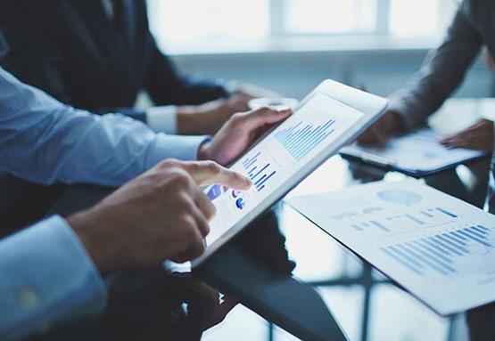 Gestión de pagos - Estadísticas de pagos pendientes y automatización de avisos.Situación de los vencimientos de pagos a proveedores, con detección de posibles periodos de tensiones de tesorería.