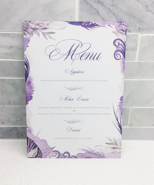 Water colours and script fonts...the way to my heart. Did you know you will receive between 25-40% off any and all additional paper products when you order your Wedding Invitations with us? 💍💕 We design menus, programs, place cards, favour tags, seating charts, signage and of course our ever popular custom Thank You cards! Email us for more in!! [Link in Bio👆🏼] 💌