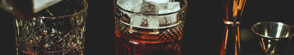 cocktails_jakub-kapusnak-296880_unsplash.jpg