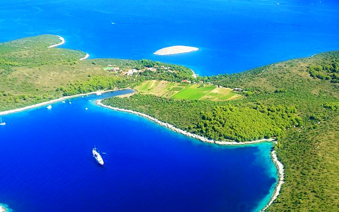 Photo by Visit-Hvar