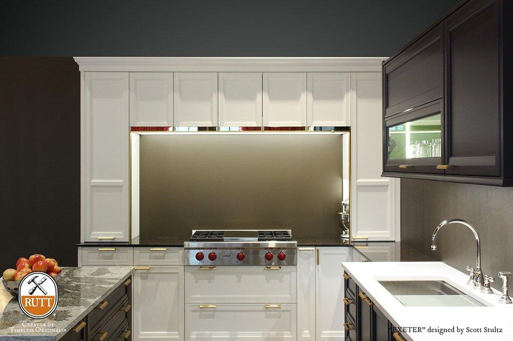 Multi finish workstation kitchen