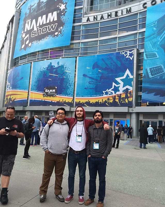 We had a blast at @thenammshow this year, met so many awesome people and made some cool new friends! Thanks to @themiragetheory giving us a place to hang our heads, these guys are our favorite band from South America and some awesome friends of ours! #Montra #NAMM themiragetheory #tmt #metal #anaheim #music #awesome #bros #passion #dedication