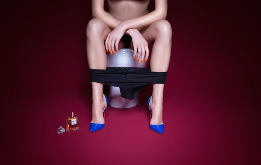 plastik-lady-in-the-loo-editorial-10-900x570.jpg