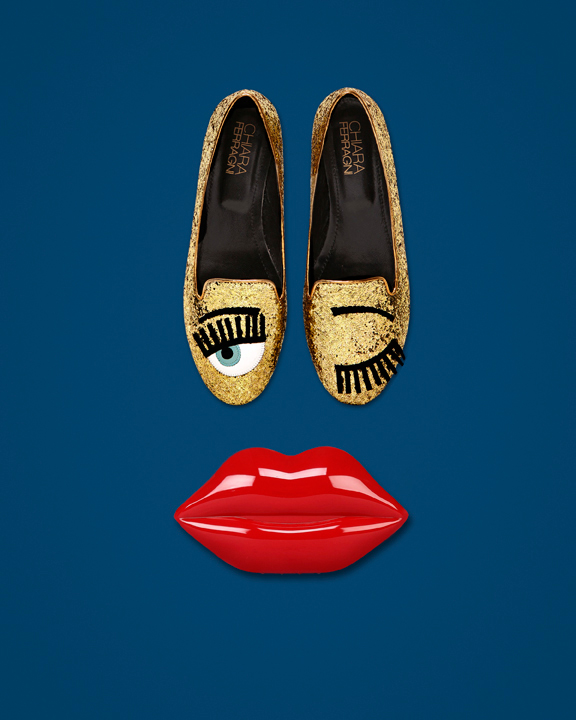 Chiara Ferragni blink eye loafers!