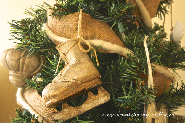 Brown-and-White-Christmas-Decorations-Ice-Skate-Ornament.png