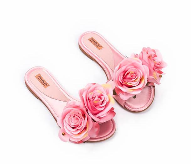 02_Frida-Pink-Roses.jpg