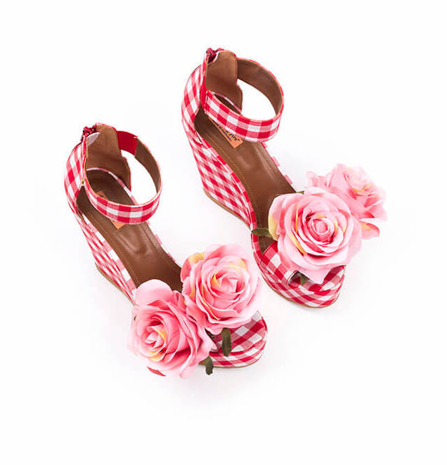 02_Carmen-Pink-Roses.jpg