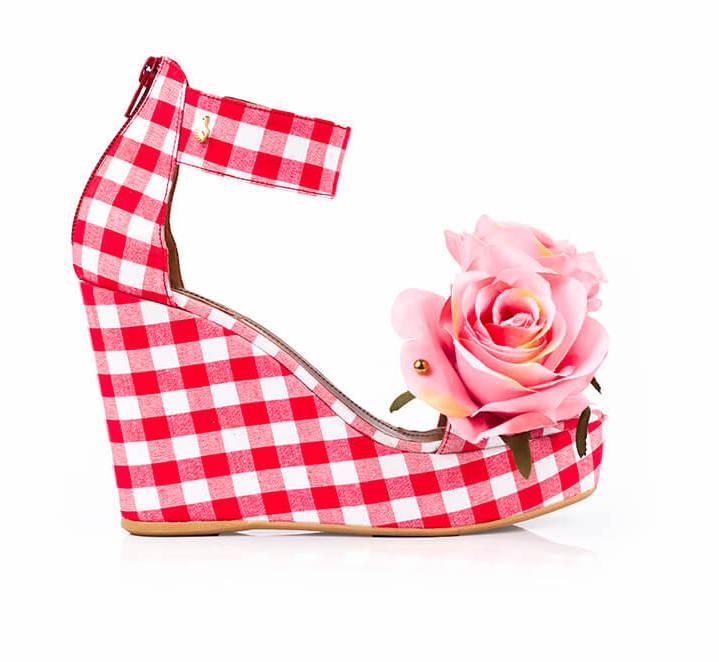01_Carmen-Pink-Roses.jpg