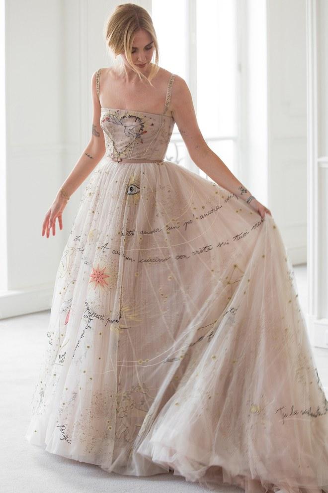 06-chiara-ferragni-wedding-dress-fitting.jpg